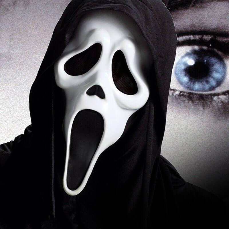 Foto de persona disfrazada de Scream