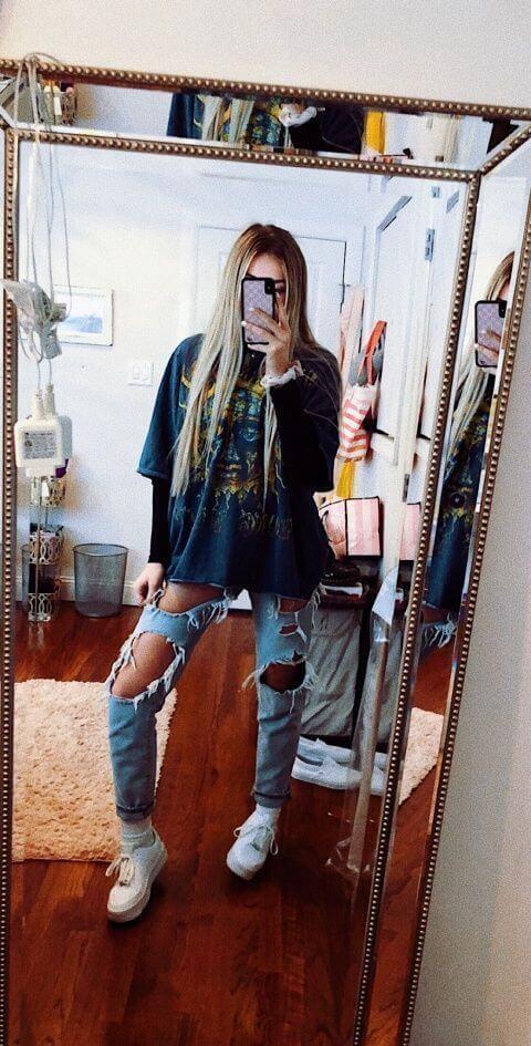 Foto de chica con estilo alternativo