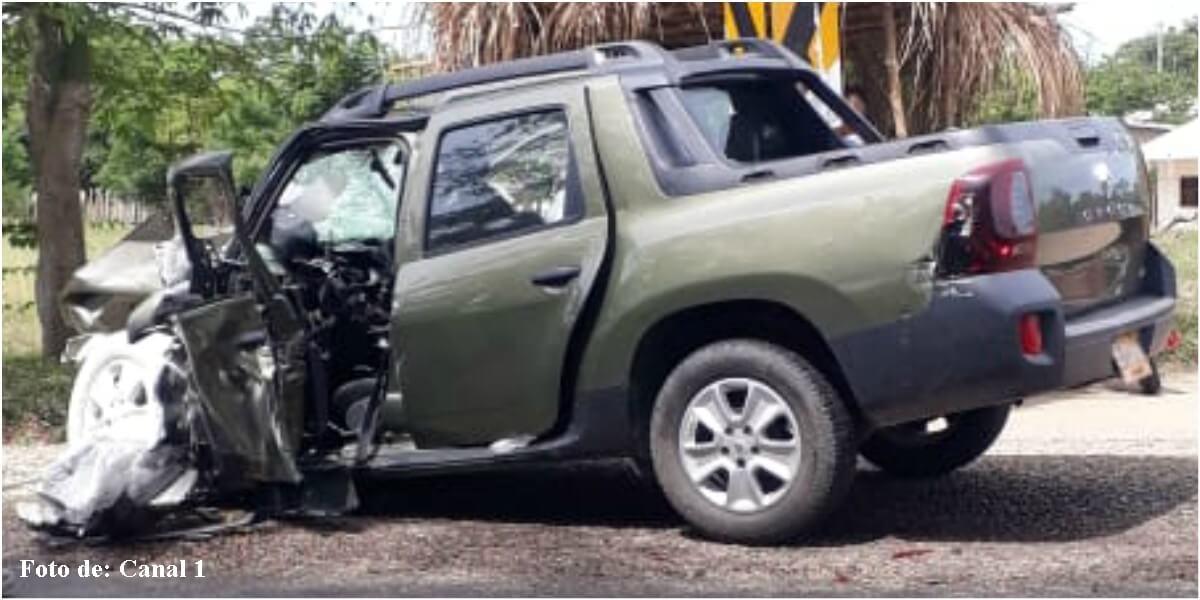 Foto del carro del papá de Claudia Bahamón después del accidente