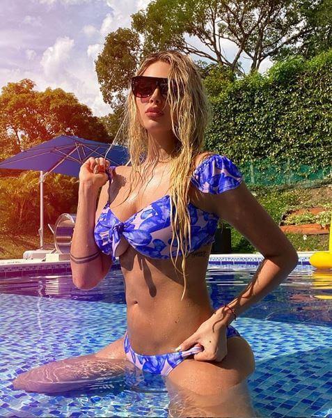 Melina Ramírez en bikini