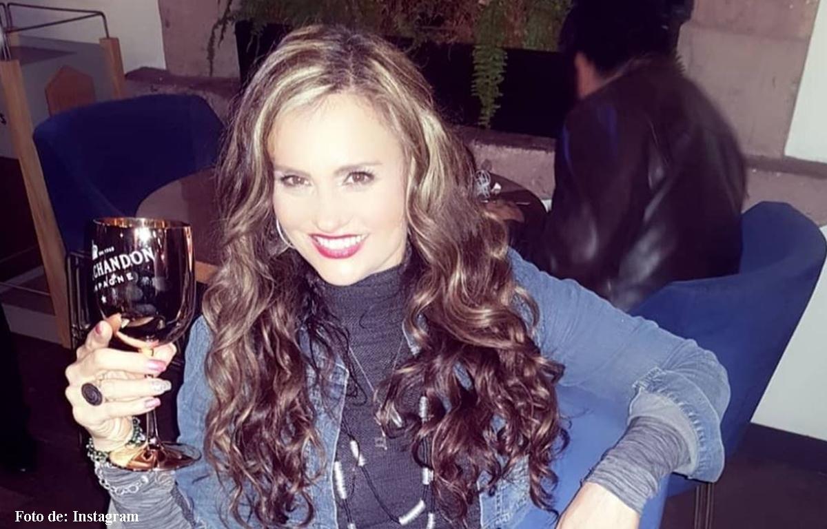 Polémicos besos de Aura Cristina Geithner