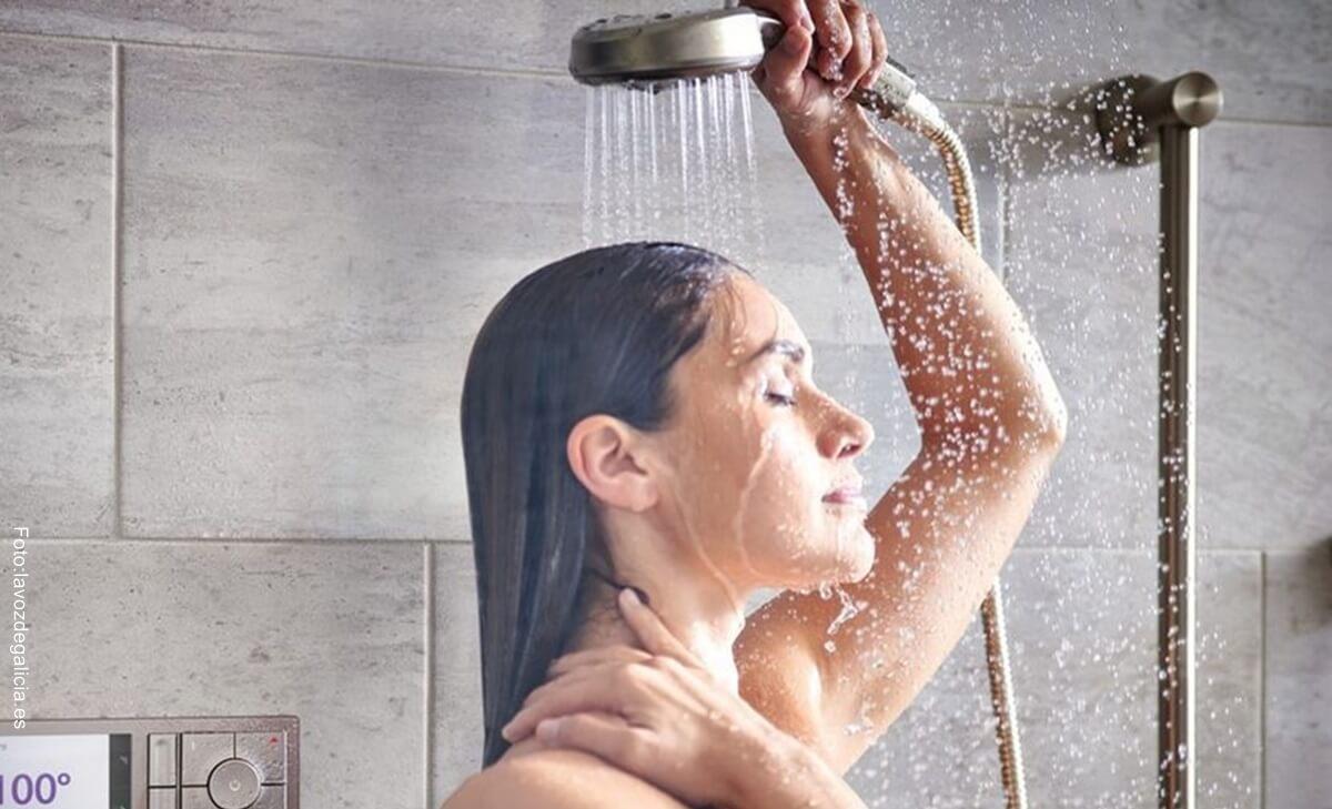 ¿Es mejor bañarse en la mañana o en la noche? Expertos nos dan la respuesta