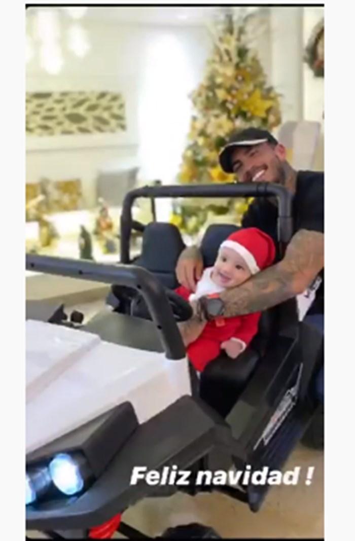 Mateo Carvajal y su hijo