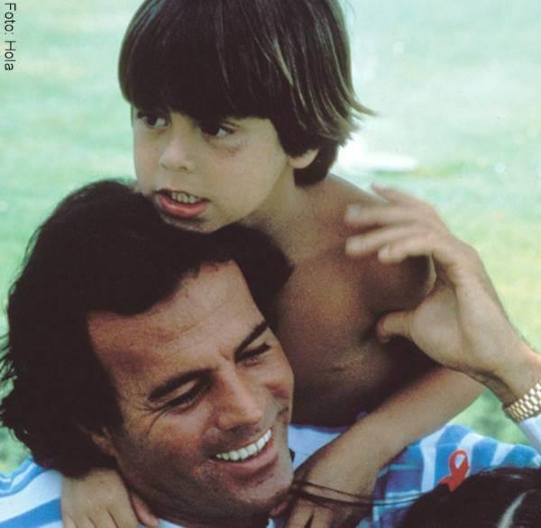 Foto de Enrique cuando niño con su papá