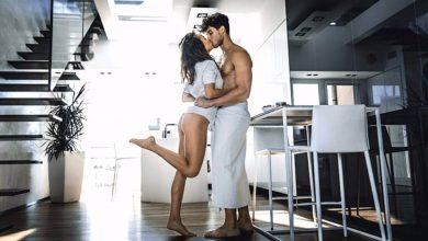 Mejores poses para hacer el amor en tu casa, más allá de la cama
