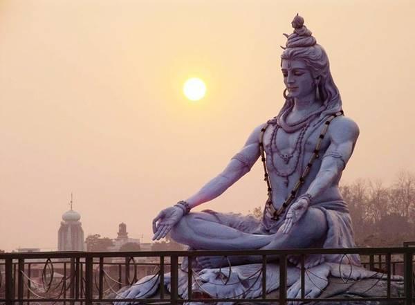 Foto de estatua del Dios hindú Shiva