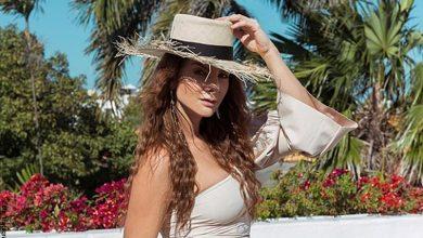 Carolina Cruz posó en vestido de baño y su look enamoró en redes