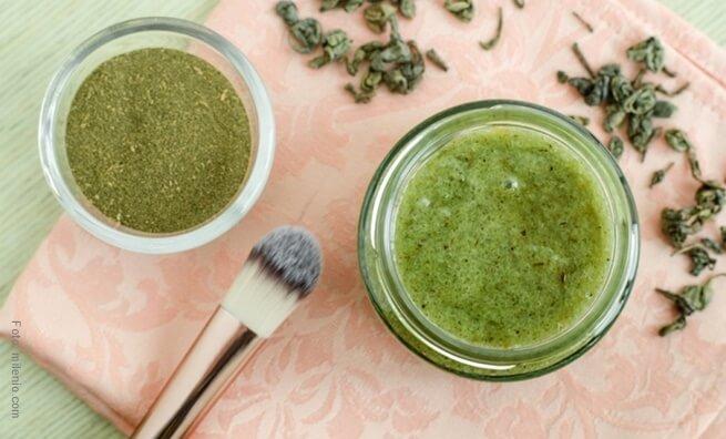 mascarilla de te verde, miel, azucar y limón.