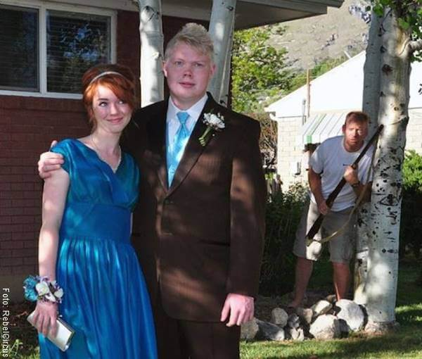 Foto de pareja y el suegro enojado