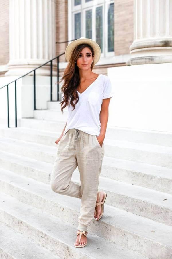 Foto de chica usando pantalones jogger