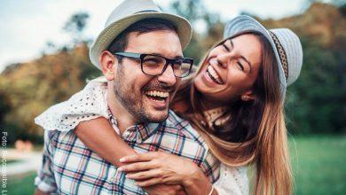 Signos zodiacales más divertidos para un romance