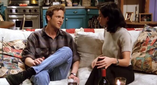 Stan Kirsch, actor de Friends, con Monica, interpretada por Courtney Cox