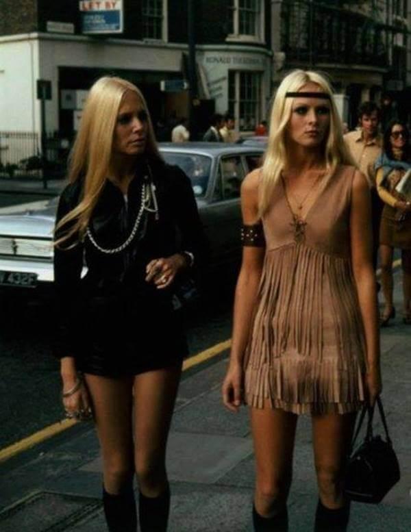 Foto de dos chicas con esta prenda para fiesta