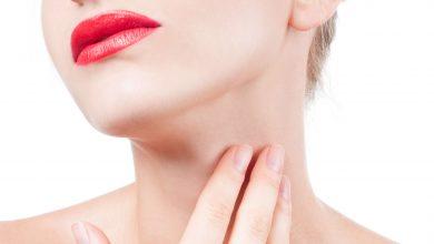 ¿Cómo quitar las arrugas del cuello sin cirugía?