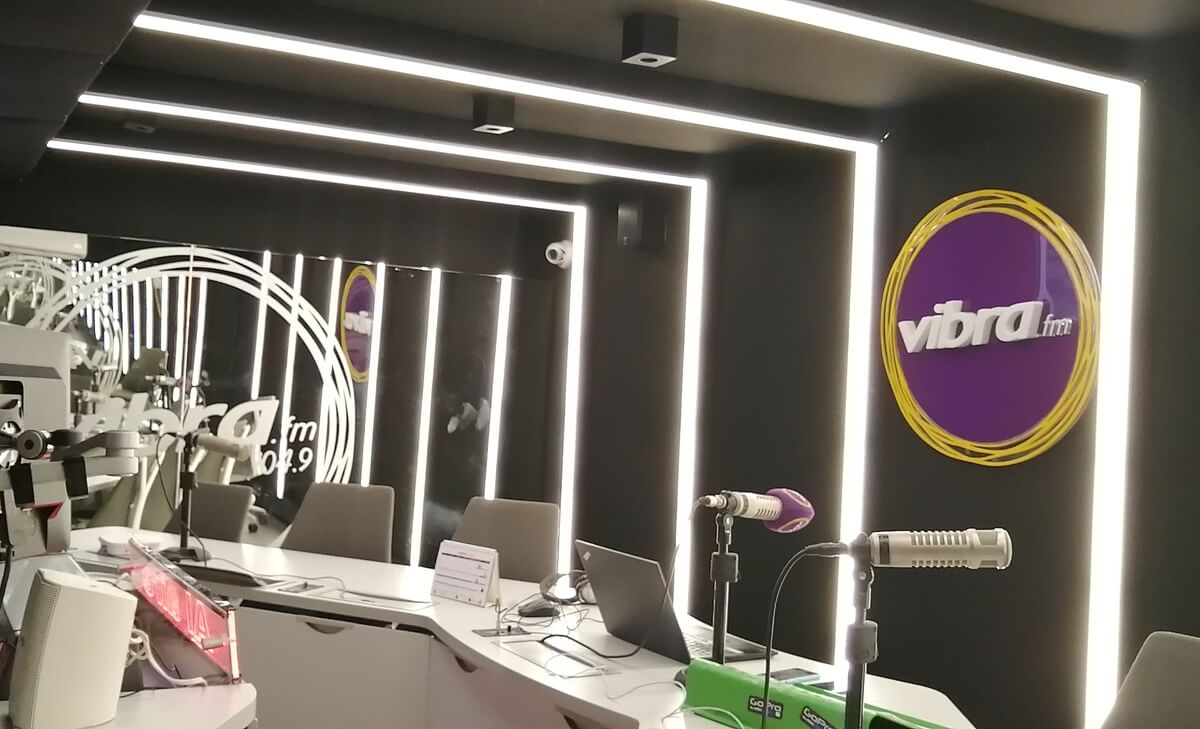 Foto de la cabina de radio Vibra