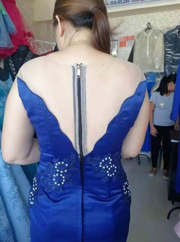 Foto de mujer con vestido azul