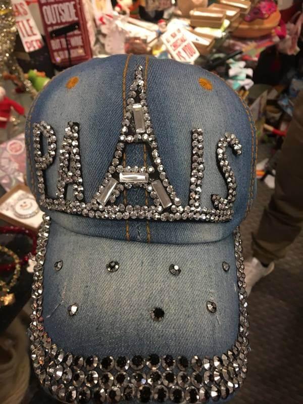 Foto de cachucha de jean con diamantes Ropa fea de mujer