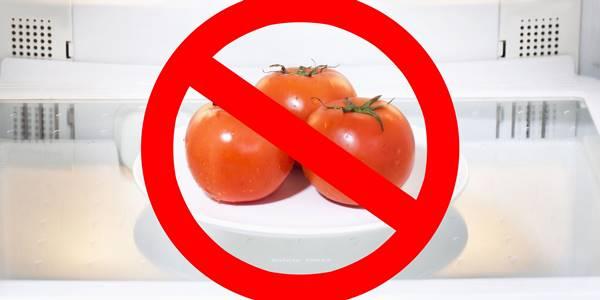 Foto de tomates en una nevera