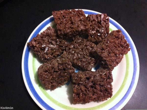 Barras de cereal de Choco Krispis en un plato pando mediano