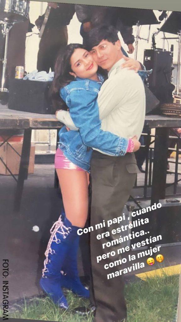 Marbelle disfrazada de mujer maravilla junto a su padre Ignael