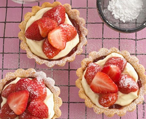 Foto de tres tartaletas de frutas