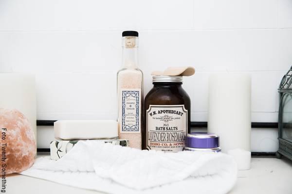 Foto de varios productos para hacer un spá en casa