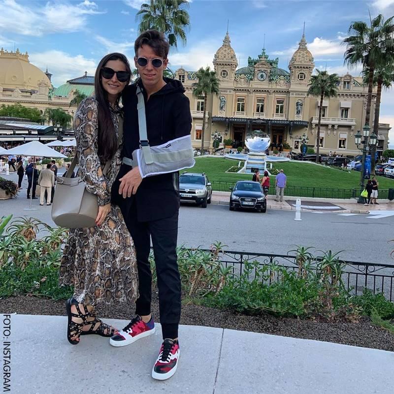 Rigoberto Urán y Michelle Durango durante su recuperación de una lesión.