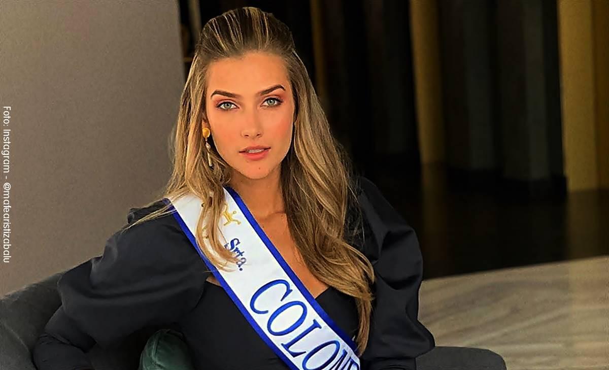 La Señorita Colombia Maria Fernanda Aristizabal posando como reina sentada