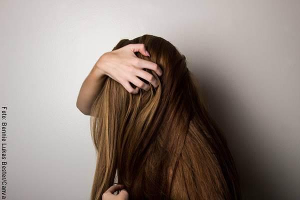 Foto de cabello largo de mujer