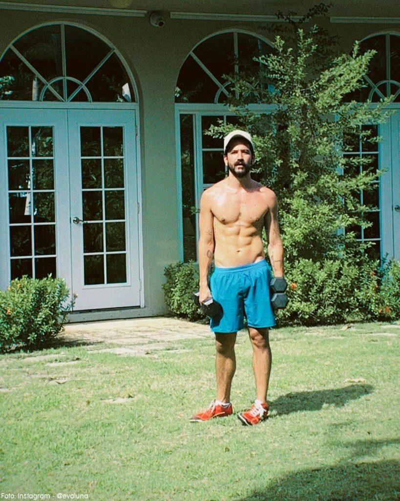 Foto de Camilo sin camiseta tomada por Evaluna