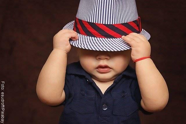 Foto de niño con sombrero
