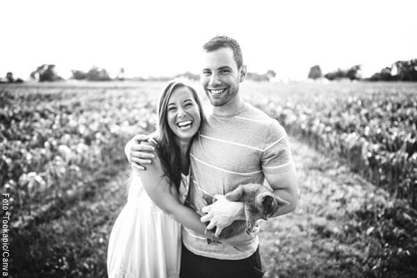 Foto de una pareja abrazados