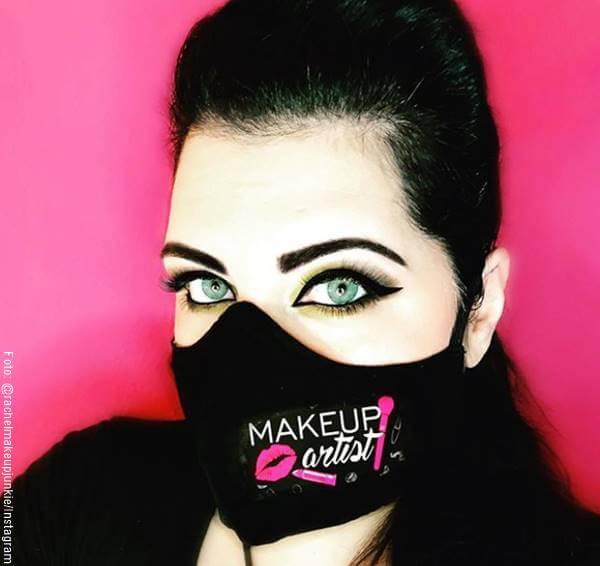 Foto de mujer para ilustrar los tips para usar maquillaje con tapabocas