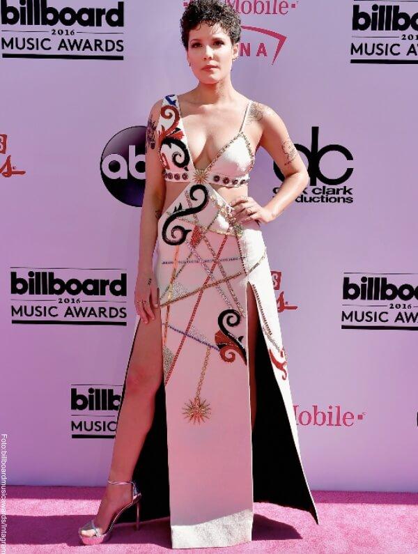 Foto de Halsey una de las 11 peores pintas de los Premios Billboard 2016