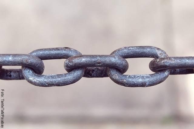 Foto de una cadena de hierro