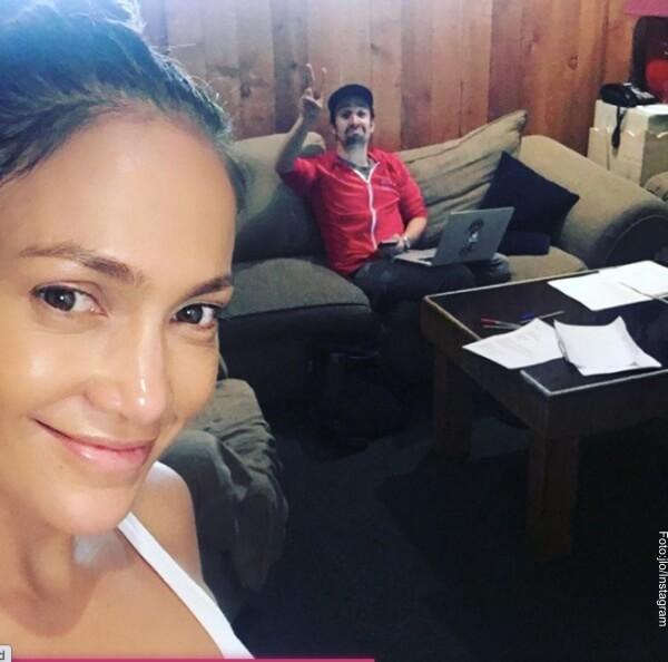 Jennifer Lopez se muestra sin maquillaje