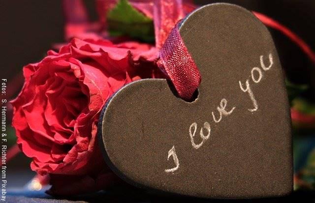 Foto de una caja de chocolates con la frase I love you