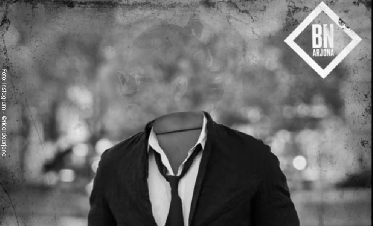 """Ricardo Arjona, """"El Invisible"""" en una relación de tres"""