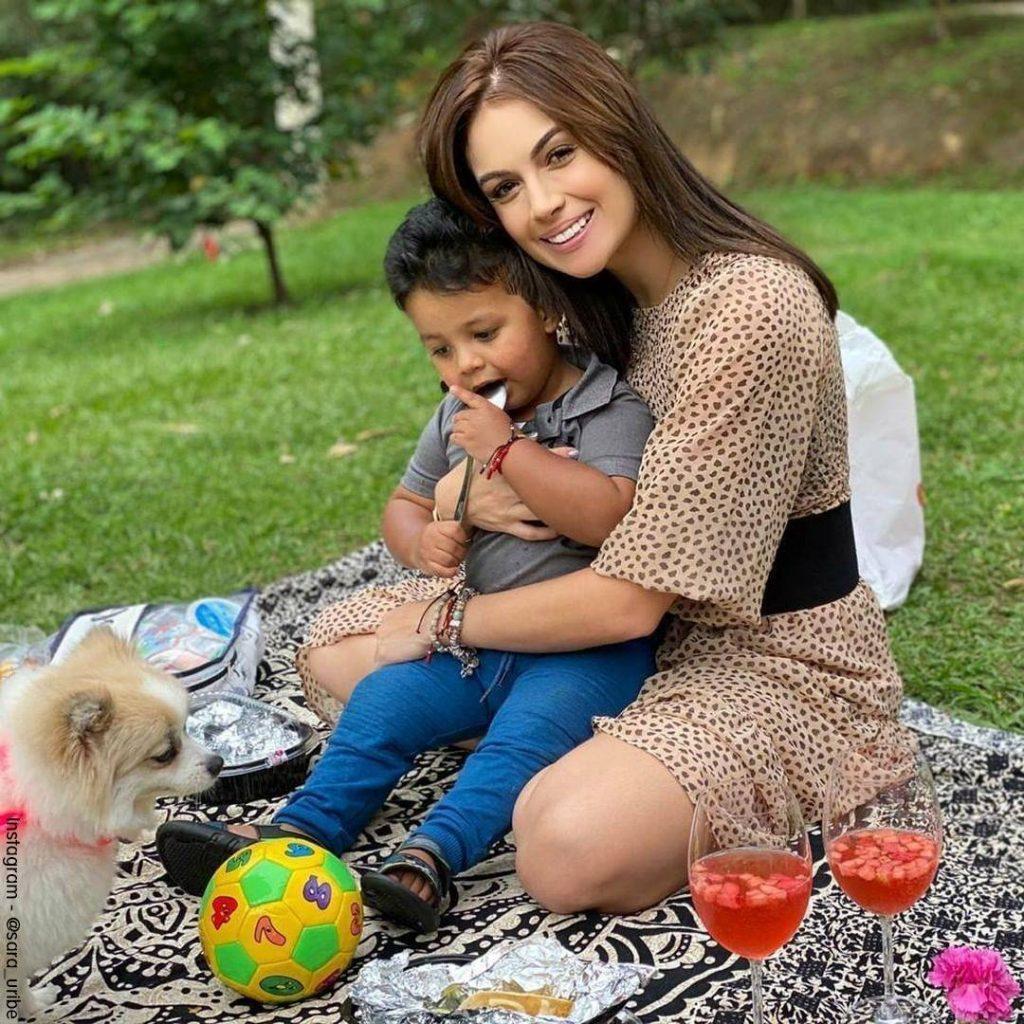 Foto de Sara Uribe con Jacobo en un dái de Picnic