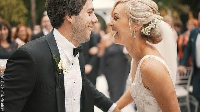 Foto de una pareja el día de su boda