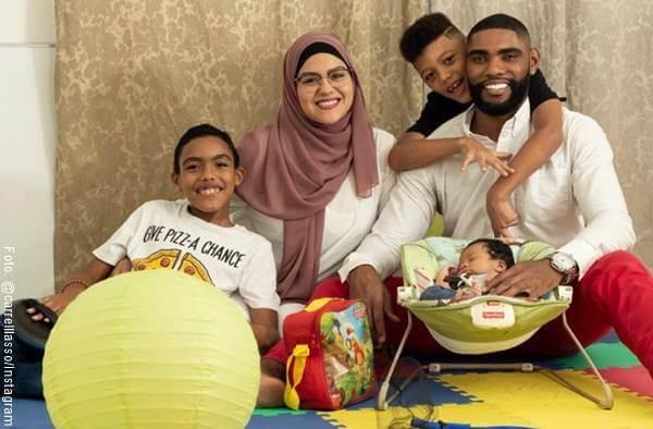 Foto del actor Carrell Lasso y su familia