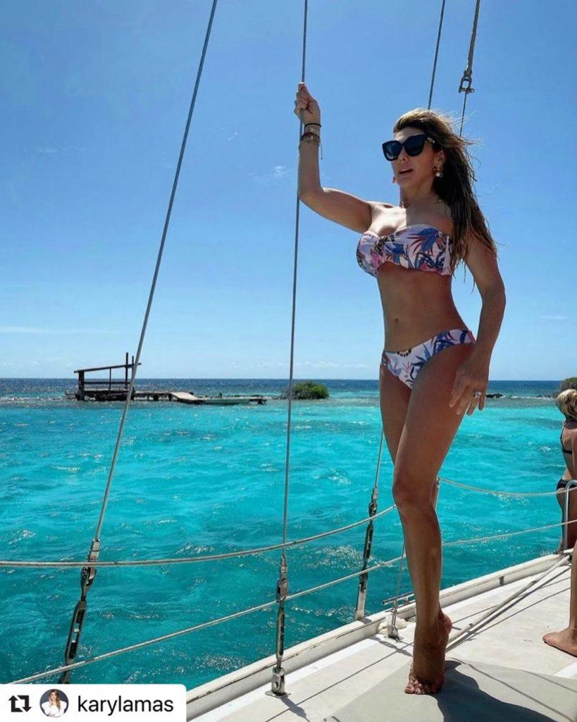 Ana Karina Soto en bikini mostrando su maravillosa figura.