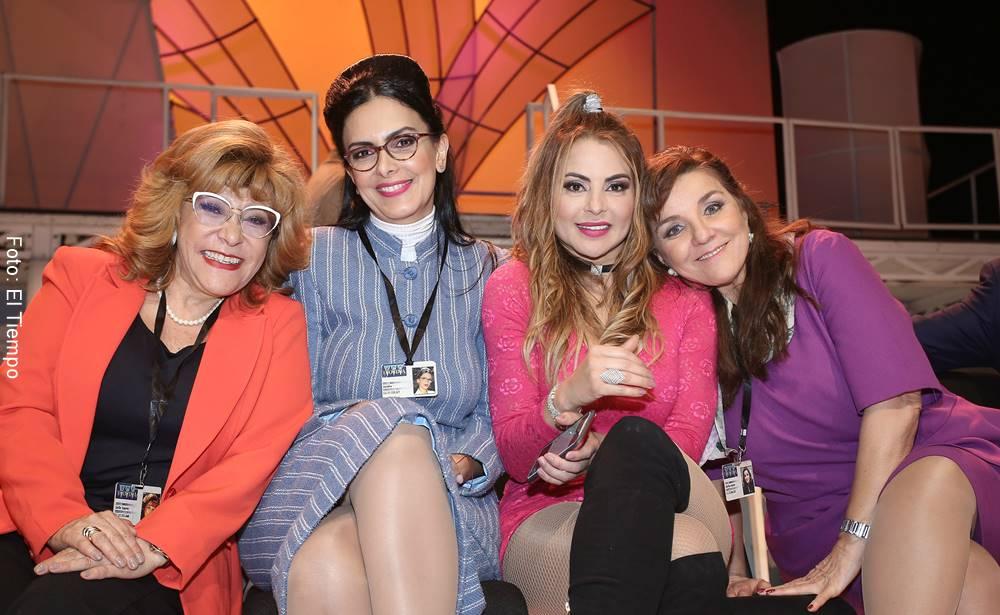 Foto de Marcela Posada junto a sus amigas actrices de Betty la fea