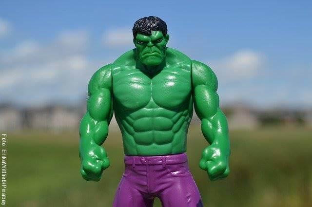 Foto de un muñeco de Hulk