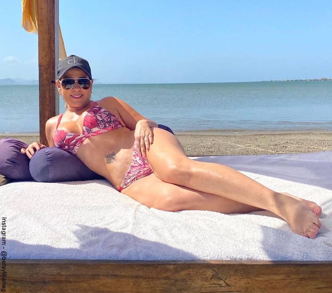 Foto de Betsy Liliana González de vacaciones en la playa