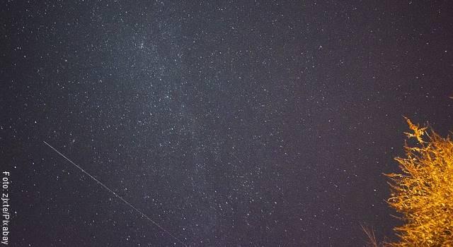 Foto de una lluvia de estrellas