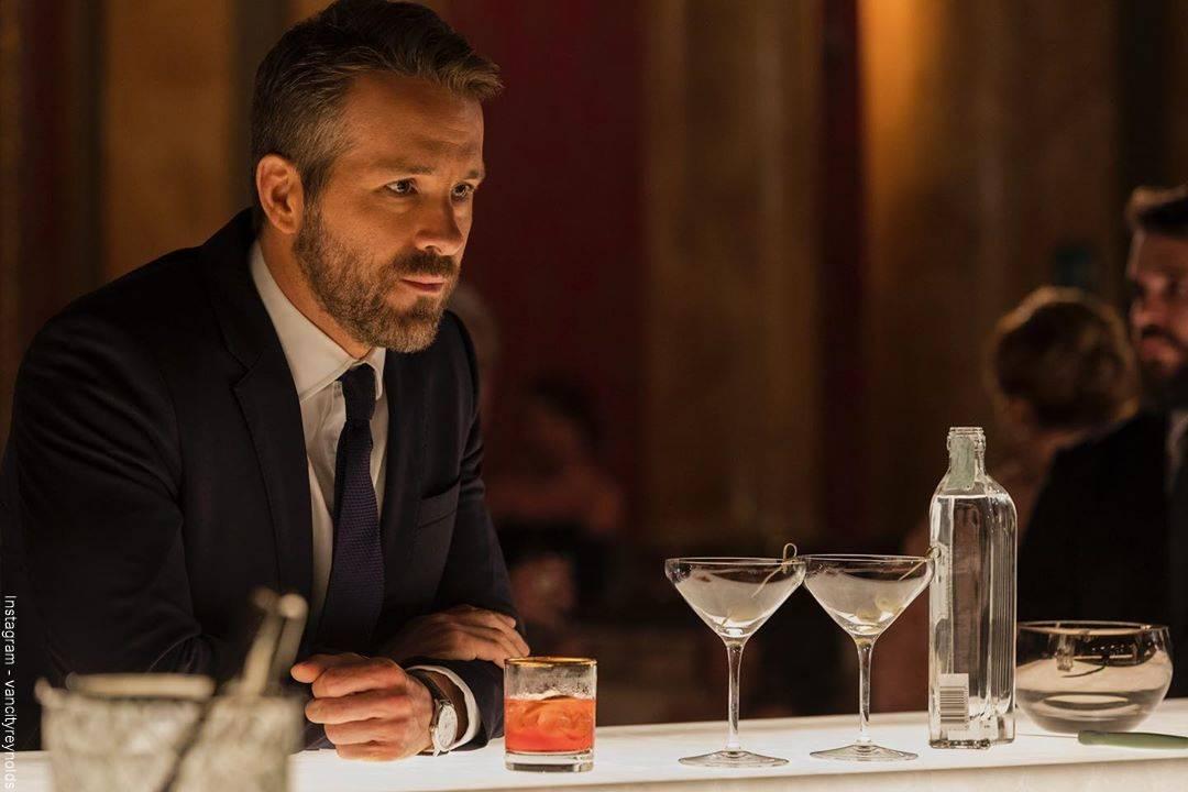 Ryan Reynolds grabando la película Red Notice