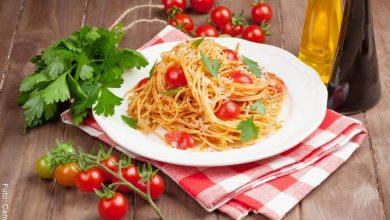 Pasta con atún y tomate cherry, receta fácil y rápida