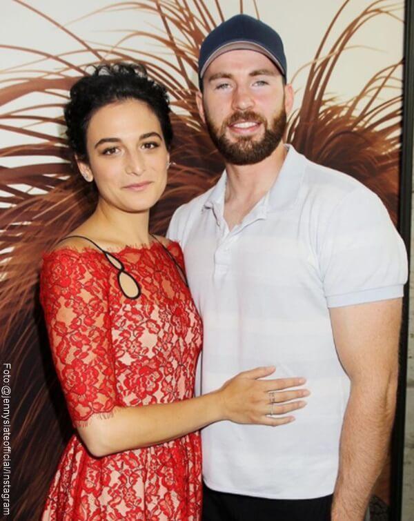 Foto de Chris Evans y su novia Jenny Slate