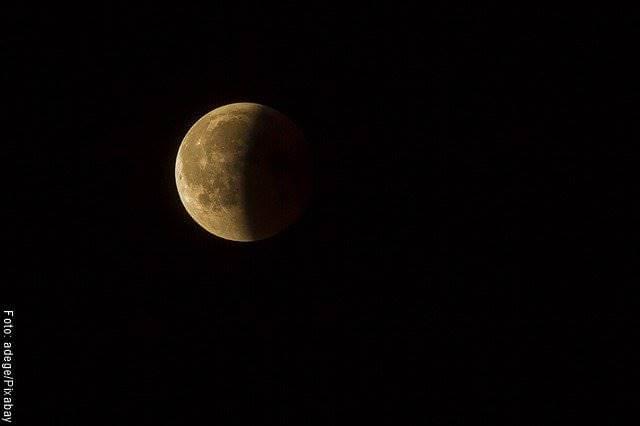 Foto de la luna (soñar con la luna y su significado)